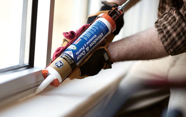 window-and-door-caulking-services-winnipeg